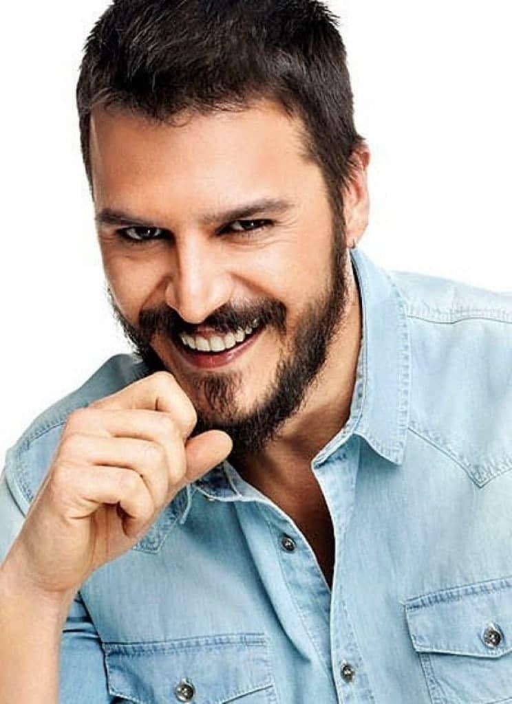Турецкий актёр Мехмет Гюнсюр