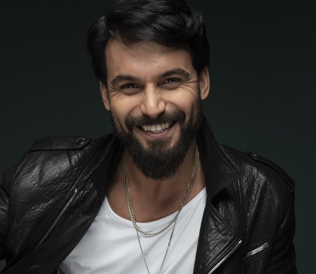 Турецкий актёр Али Эрсан Дуру